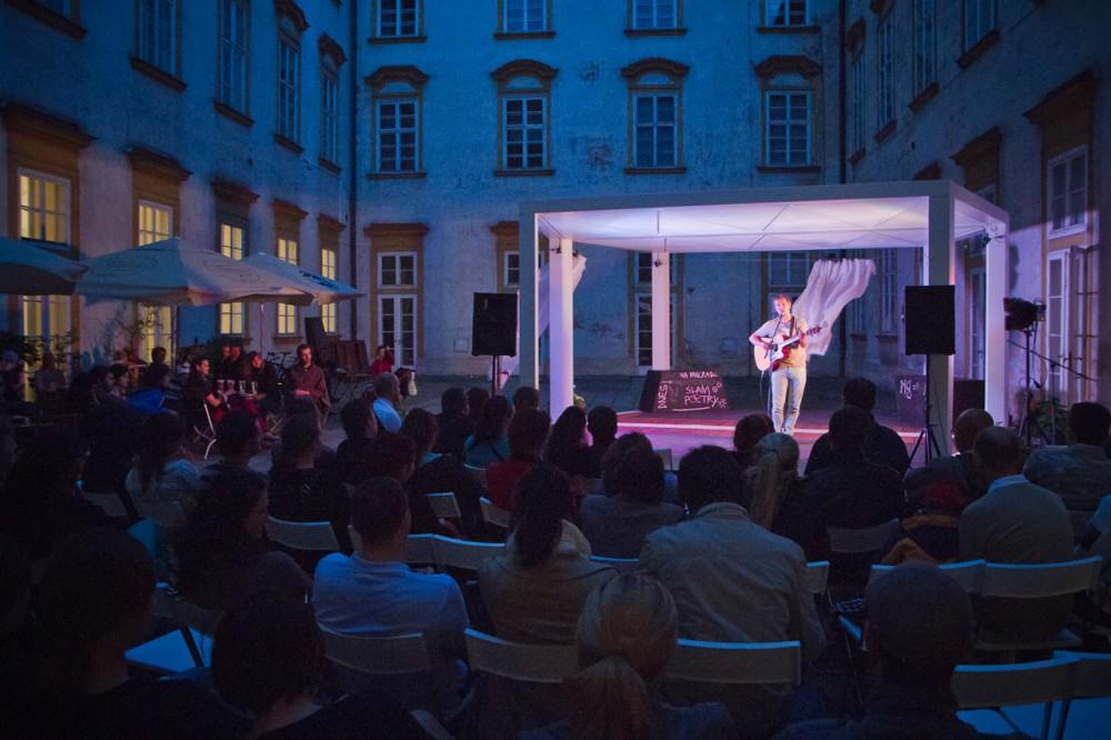 Stand-up comedy show NaMikrofon v Místodržitelském paláci